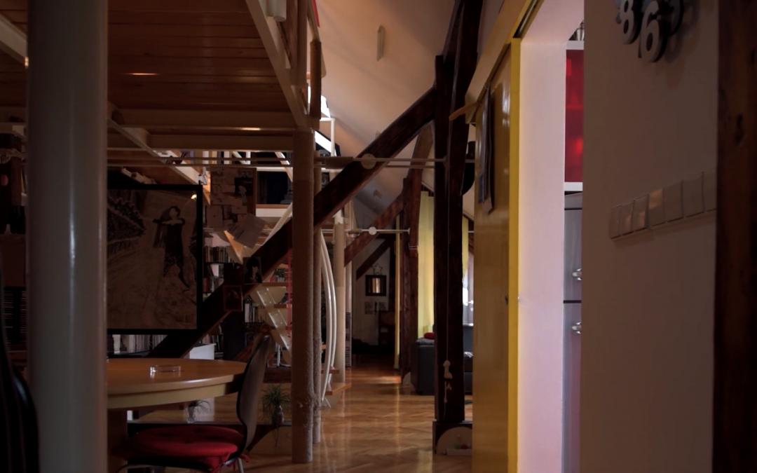 Inspirativan prozračan stan u potkrovlju glumice i jazz pjevačice Jasne Bilušić