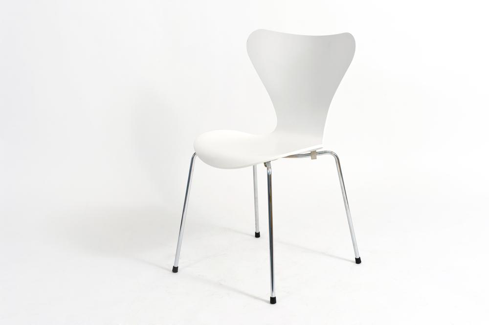 Arne Jacobsen: Series 7™ stolica bezvremenskog dizajna