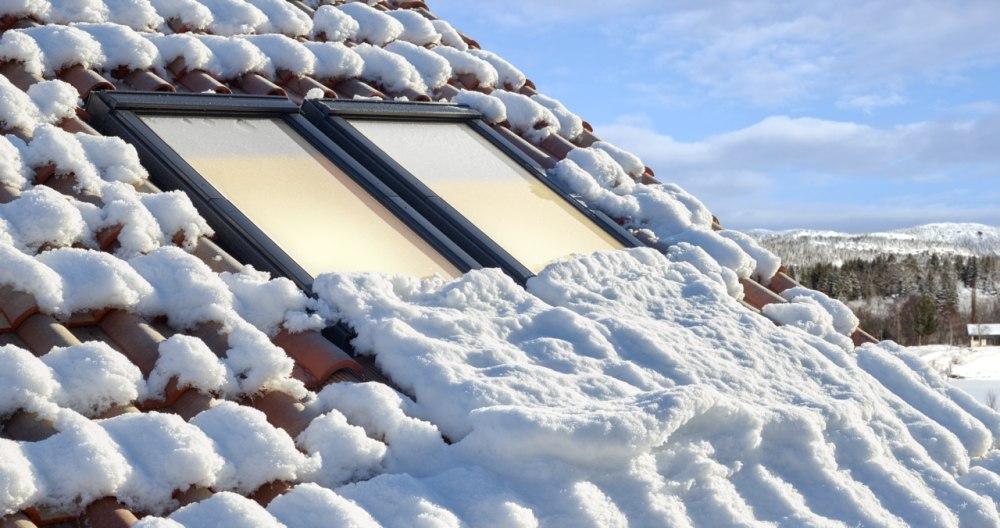 Snijeg na prozorčiću
